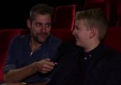 Robin gamet in een bioscoop